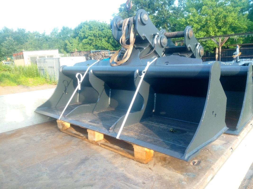 jcb lopatu svahová hydraulická  200cm